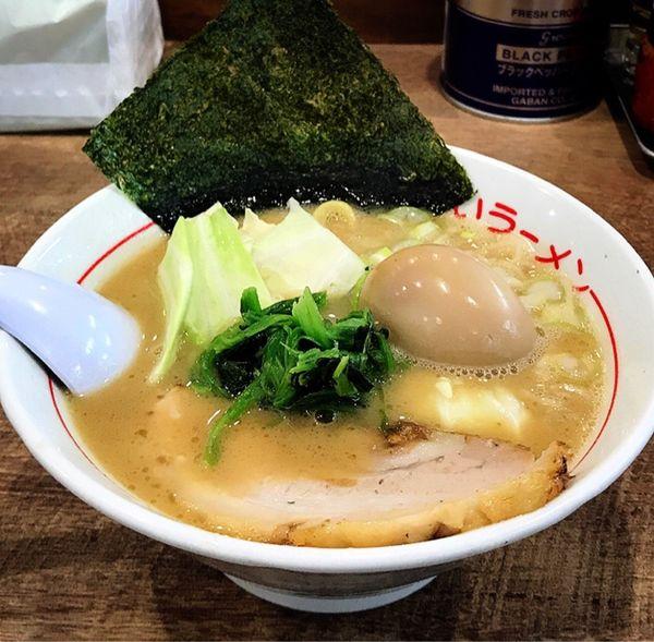 「うまいラーメン(ハーフ.とろーり味付玉子)」@松福 本店の写真