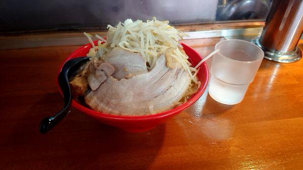 「中ラーメン 豚1枚 野菜増し」@麺屋 もりのの写真