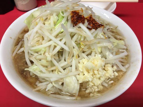 「小ラーメン 麺少なめ 玉子  ニンニク  ラー油」@ラーメン二郎 千住大橋駅前店の写真
