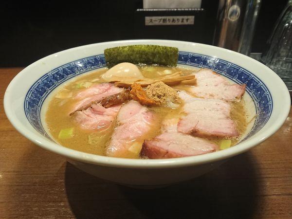 「チャーシュー濃厚豚骨魚介らーめん+味玉」@麺処 はら田の写真