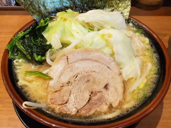 「豚骨キャベもや・醤油」@横浜家系ラーメン 石川家の写真