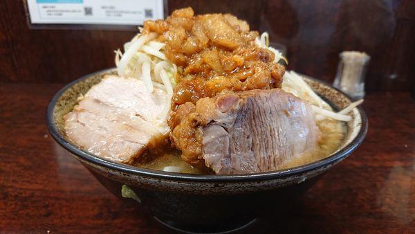 「小ラーメン   麺カタメ  野菜ニンニクアブラ」@ラーメン二郎 めじろ台店の写真