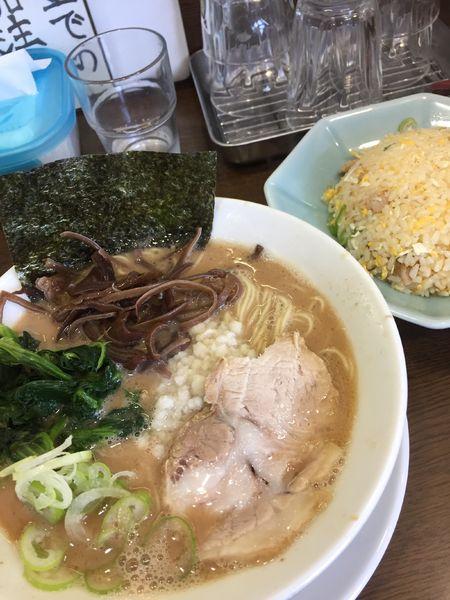「ラーメン¥780+チャーハン¥450」@うまいヨ ゆうちゃんラーメンの写真
