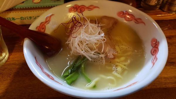 「鶏白湯ラーメン820円」@麺・酒処 ぶらりの写真