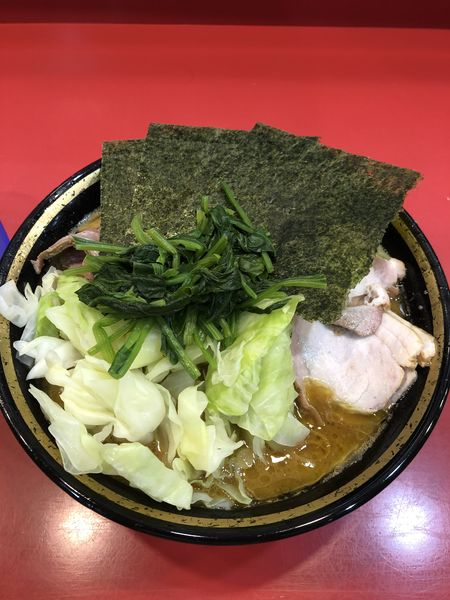 「中盛チャーシュー麺、キャベツ」@家系総本山 吉村家の写真