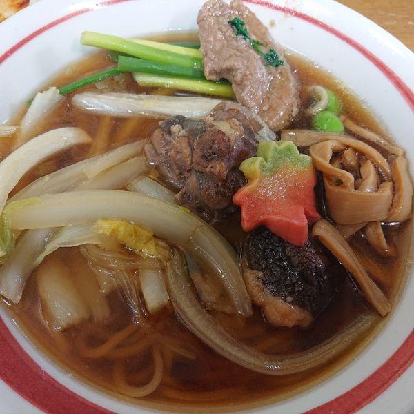 「活〆鼈ガメラC活〆大帆立小天丼3500円、和牛刺し1500円」@MENYA 食い味の道有楽の写真