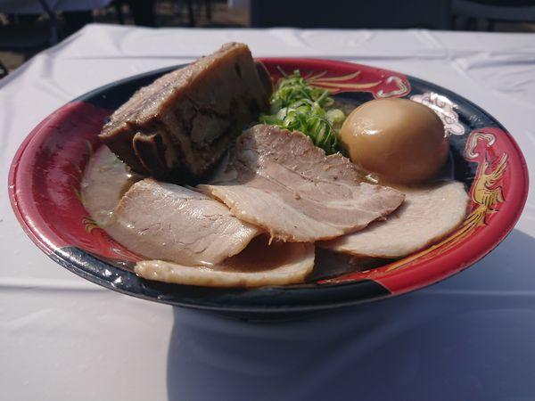 「【豚の骨】煮干し豚骨ラーメン+スペシャルトッピング」@真ラーメン祭り 絆の写真