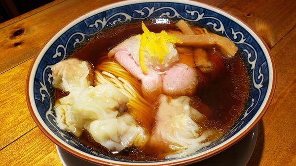 「柚子醤油ワンタン麺 1050円」@麺屋 坂本01 新潟駅前店の写真