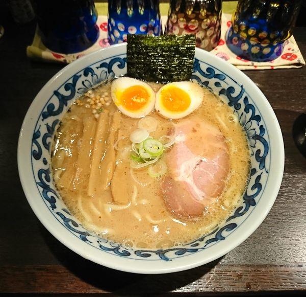 「煮玉子濃厚らー麺(870円)」@九段 斑鳩 市ヶ谷本店の写真
