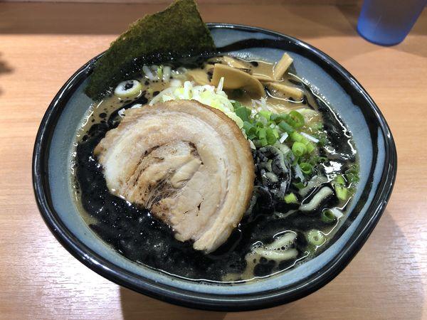 「黒熟成ラーメン(大盛)」@麺や 虎ノ道の写真