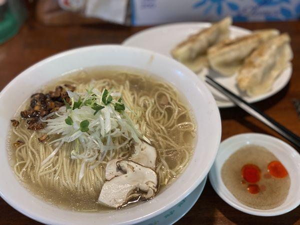 「はまぐり+松茸ラーメン」@麺酒処 ふくろうの写真