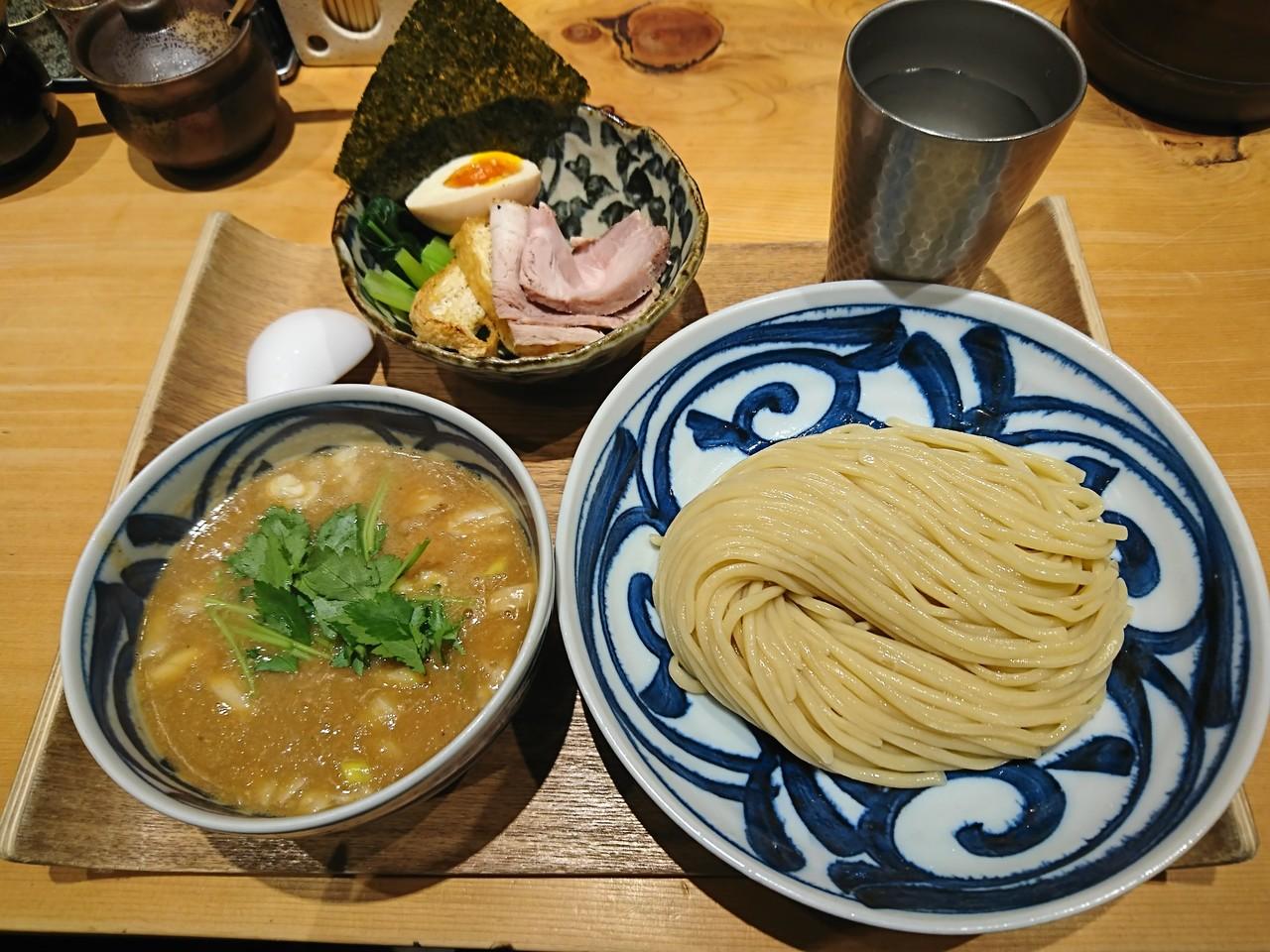 銀座で食べるべきつけ麺10選!ミシュラン掲載店多数、行列の個性派つけ麺も!!